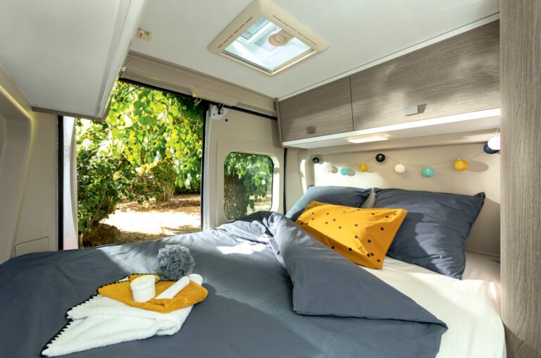 Chausson bed | Camper Deluxe